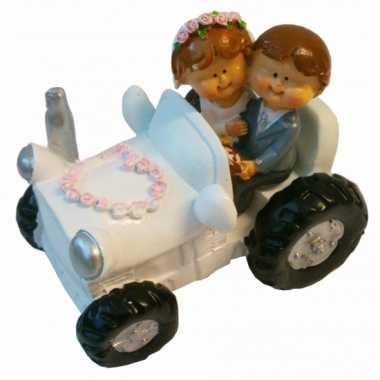 Bruid en bruidegom in tractor beeldje bestellen