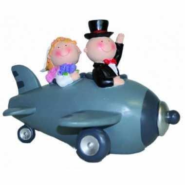 Bruid en bruidegom in vliegtuig spaarpot bestellen