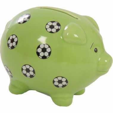 Groene spaarvarkens met voetbal print 9 cm bestellen